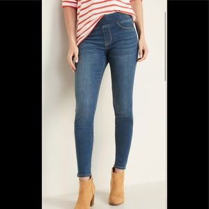 Old Navy Rockstar Pull On Stretch Skinny Jeans 8L